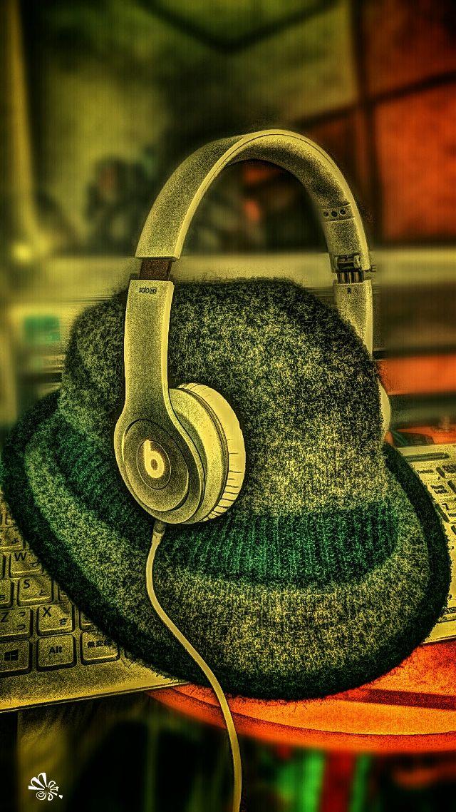 pictures of headphones